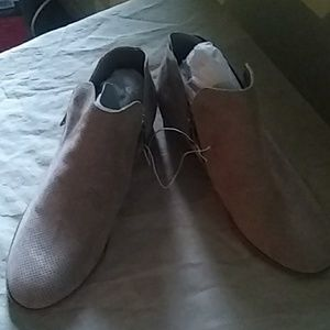 Brown ankle boots size 12 w